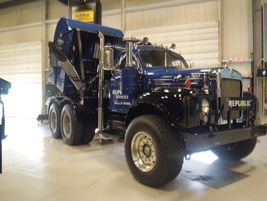 1965 Mack B53SEngine: Thermodyne END673C dieselTrans: 18-speed quadruplexAxles: 18K front, 40K...