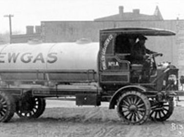 Autocar: 100 Years of Vocational Trucks