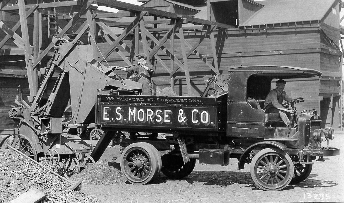 By 1921, Autocar offered three models with capacities ranging from 1-1/2 to 6 tons, a variety of...