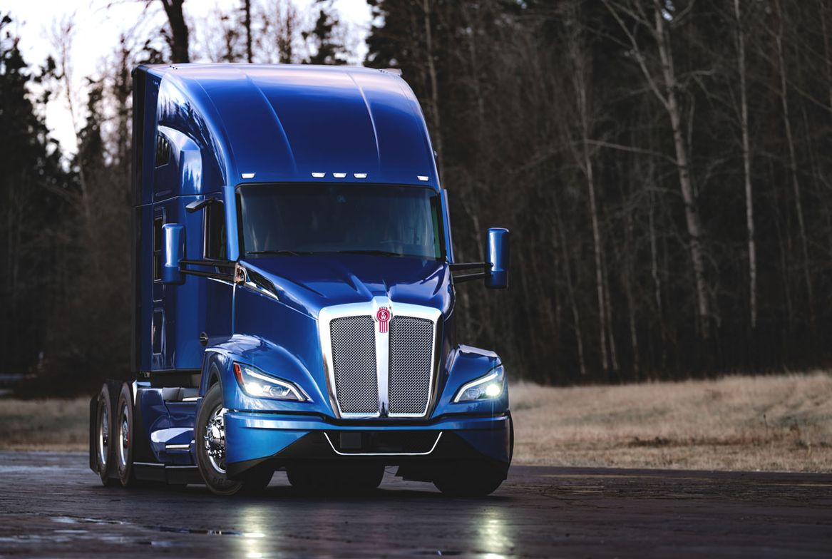 The Kenworth T680 Next Generation features LED headlamps and distinctive daytime running lights.