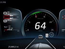The new digital display in the Kenworth T680 offers drivers multiple options.