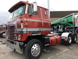 1975 International 4070 B owned by Jerry Hite, Huntington, Ind.  Cummins Big Cam 400 hp,...