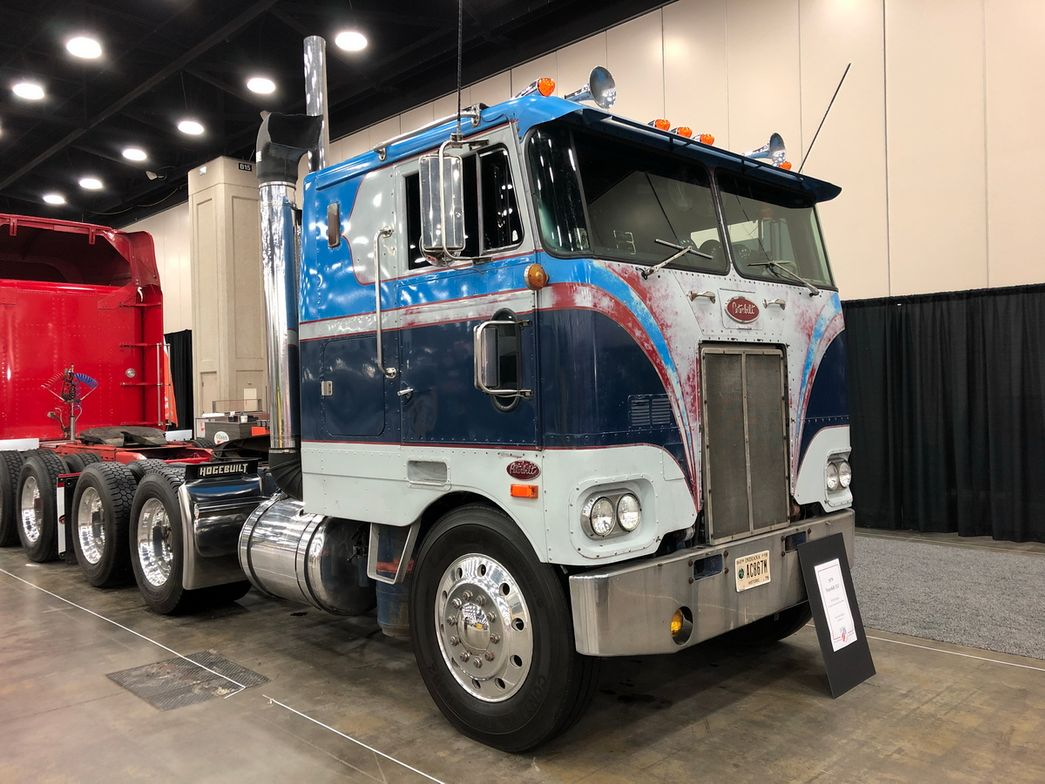 1979 Peterbilt 352 owned by Keith Hodges of Lafayette, Ind.