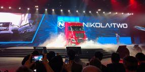 Hydrogen Stars at Nikola World Unveiling [Photos]