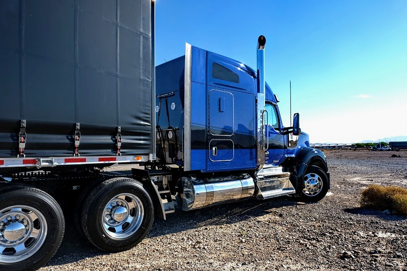 The W990 comes as a day cab,a 40-inch flat top sleeper, and 52- and 76-inch mid-roof sleepers.