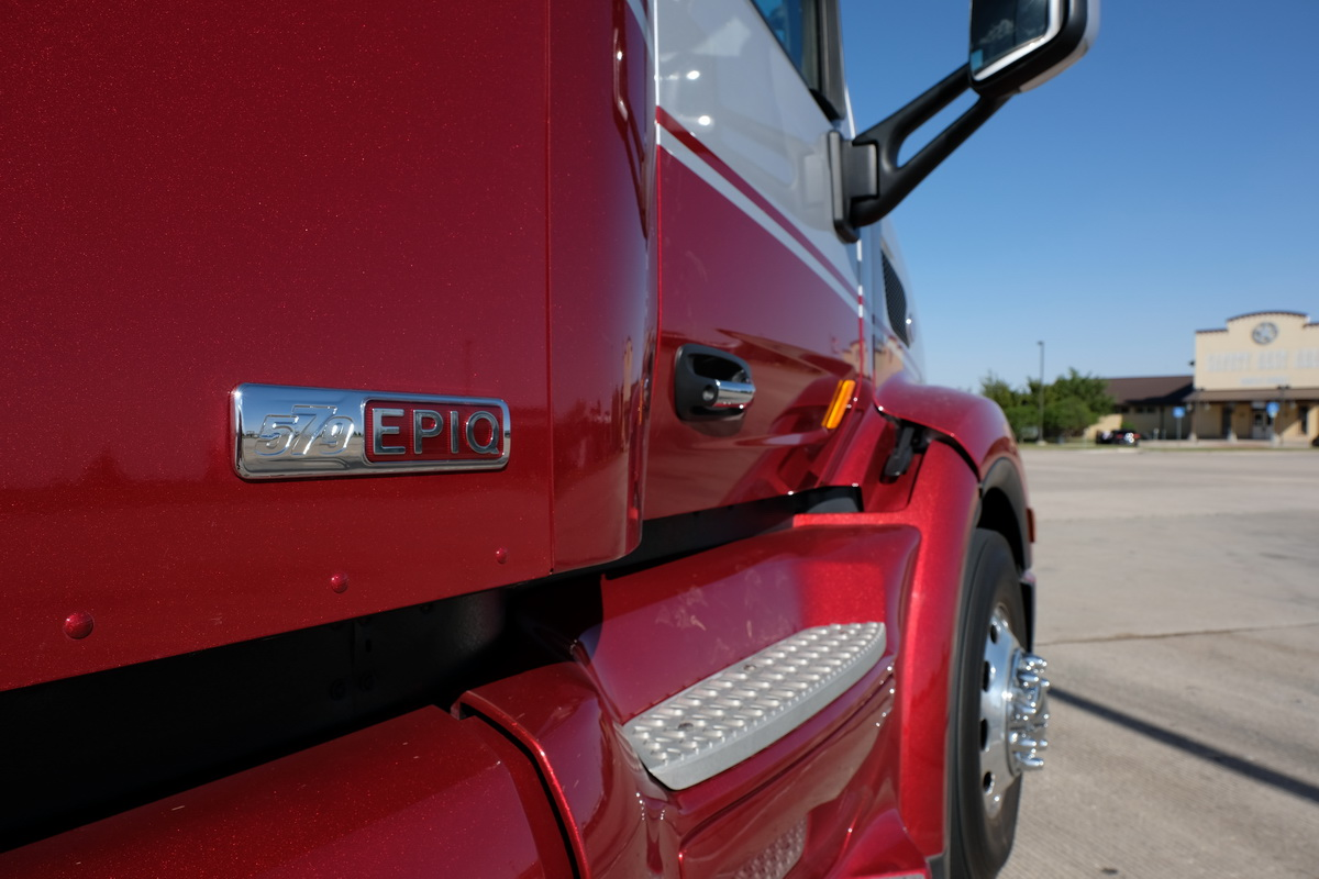 Test Drive: Peterbilt 579 Epiq with 80-inch UltraLoft Sleeper [Photos]