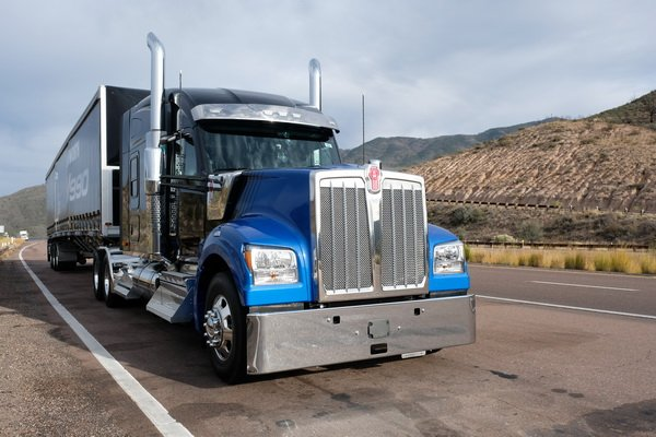 The last test drive I did in 2018 was Kenworth's W990, the successor-in-waiting to the W900L. We...