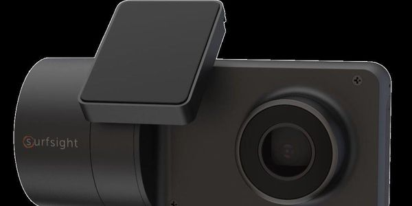 AI-12 Dual-Facing Dashcam Provides Fleets with Real-Time Performance Data