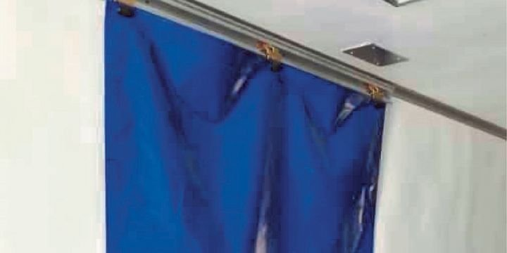 Kinedyne's Kold-Front Refrigerated Curtain System'sultra-glide design helps refrigerated fleets maintain required interior temperatures. - Photo:Kinedyne