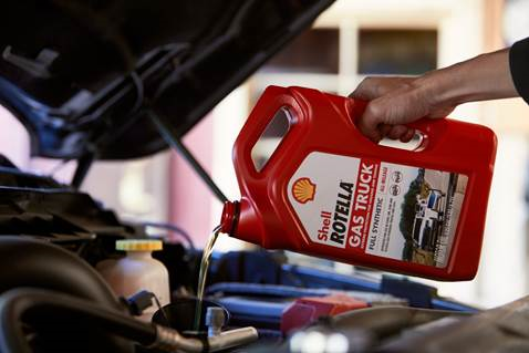 Shell Rotella Gas Truck full synthetic engine oil is designed to offerprotection for towing and hauling in gasoline-powered trucks.  -