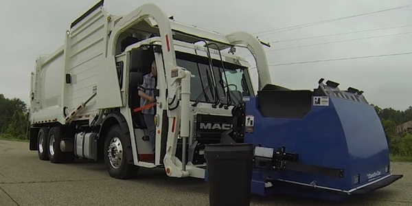 Operating Mack's LR Low-Entry Refuse Truck [Video]