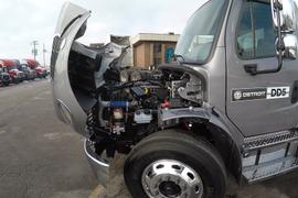 First Look at Detroit DD5 Medium-Duty Engine