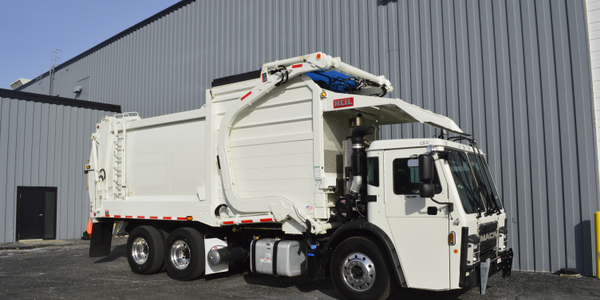 The new Mack LR features a performance-oriented design that is focused on refuse fleet details...