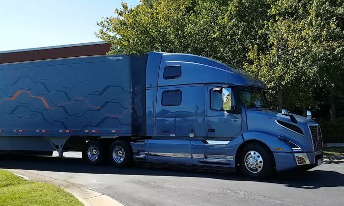 Test Drive There S Much To Like About Volvo S New Vnl