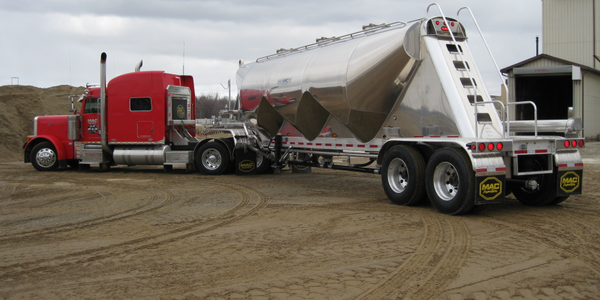 MAC Trailer Introduces Pneumatic Tank