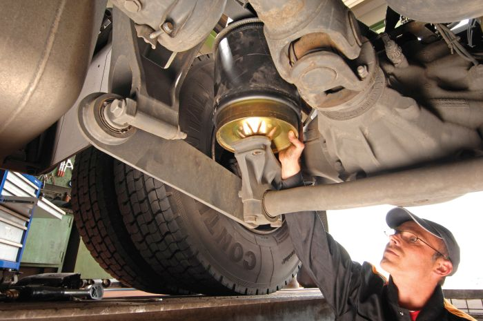 Maintaining Air Springs and Shock Absorbers - Maintenance