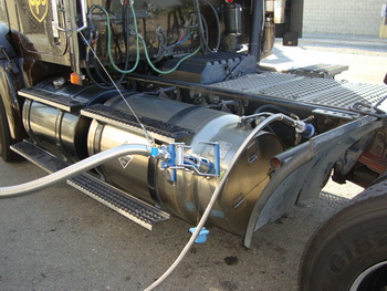 Cryogenic saddle tank holds enough liquified natural gas to give a UPS tractor a range of 600 miles.