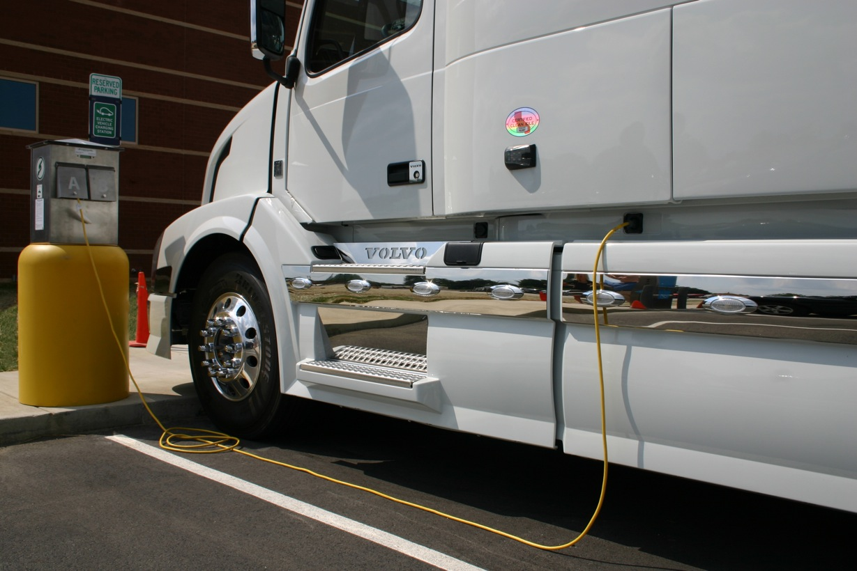7 Ways to Cut Idling Costs - Drivers - Trucking Info