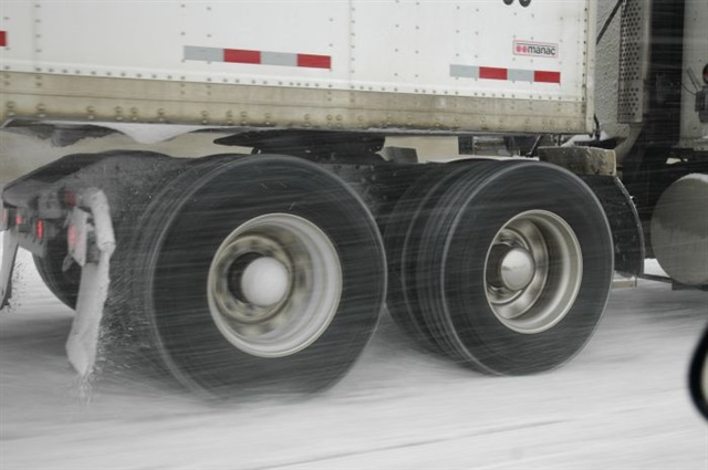 Choosing Tires for 6x2s - Equipment - Trucking Info