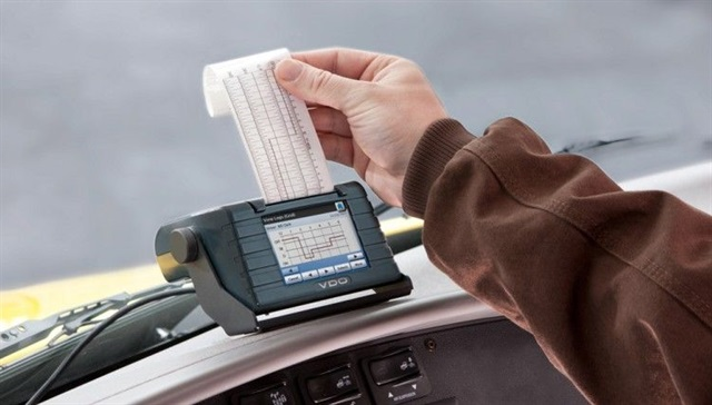 Single-purpose devices will comply with the requirements but they may not offer the management capability the full-suite ELDs can provide. They are less expensive and have no monthly fees, but they lack functionality.