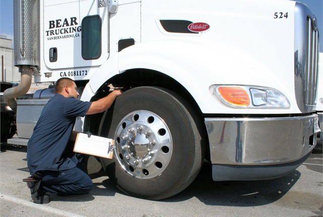 Frequent and thorough yard checks help with pressure maintenance and tire condition observations. Only 4% of fleets check tires daily.