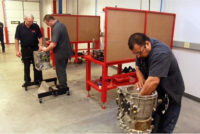 At Inland Truck Parts' new facility, techs get hands-on training.