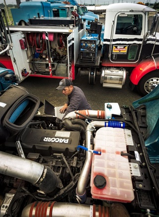 Technicians equipped with laptops and the right tools and equipment on the truck are necessary to ensure mobile maintenance tasks can be completed in a timely manner. Photo: Rush Enterprises