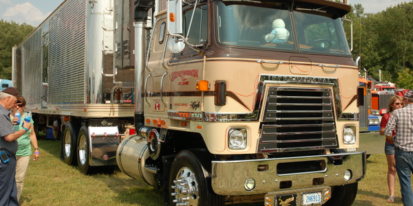 Still one of my favorites, this example, a 1980 International Transtar Eagle, belongs to Steve...