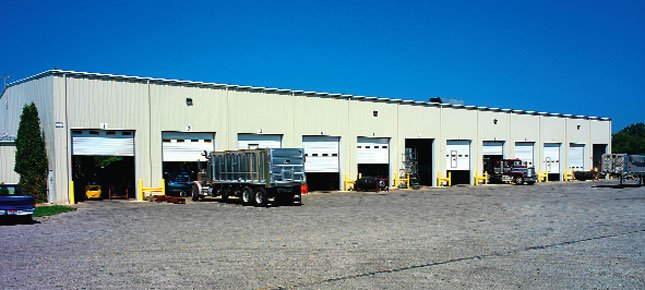 East Manufacturing's trailer repair facility will work on all makes.