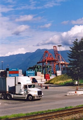 If good paying union jobs catch on in the drayage sector, truckload carriers could see their labor poor shrink even faster. Photo by Jim Park.