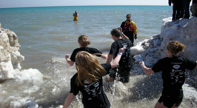 Truck Dealer of the Year Finalist Erick Jorgensen and his three daughters take the plunge to benefit Special Olympics.