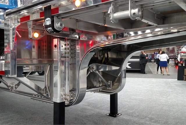 <p><strong>Can you see a Roman arch in the radius under the transition area of this Mac single-drop aluminum trailer? The radius directs weight away from the 90-degree joint above.&nbsp;</strong></p>