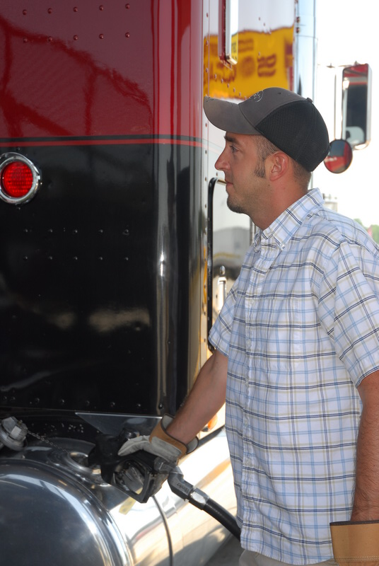 Diesel Prices Drift Down to $3.851, Falling 3.6¢
