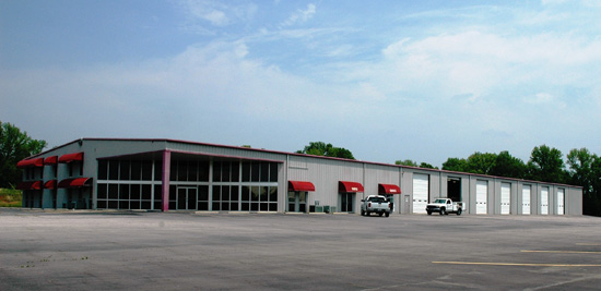 Utility's Arkansas Dealership Announces New Repair & Paint Facility
