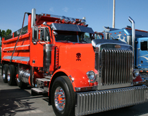 75 Chrome Shop Truck Beauty Show Draws Hot Trucks