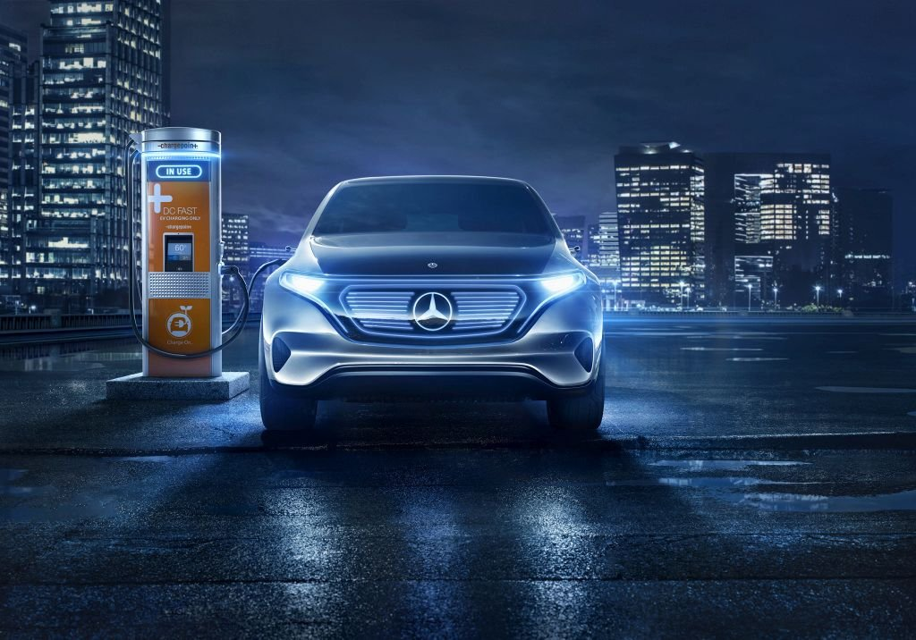 Daimler Preps for Electric Ecosystem with ChargePoint Investment
