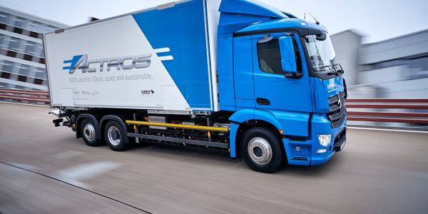 Daimler has begun fleet-testing itsMercedes-Benz eActros fully electric heavy-duty truck as it...