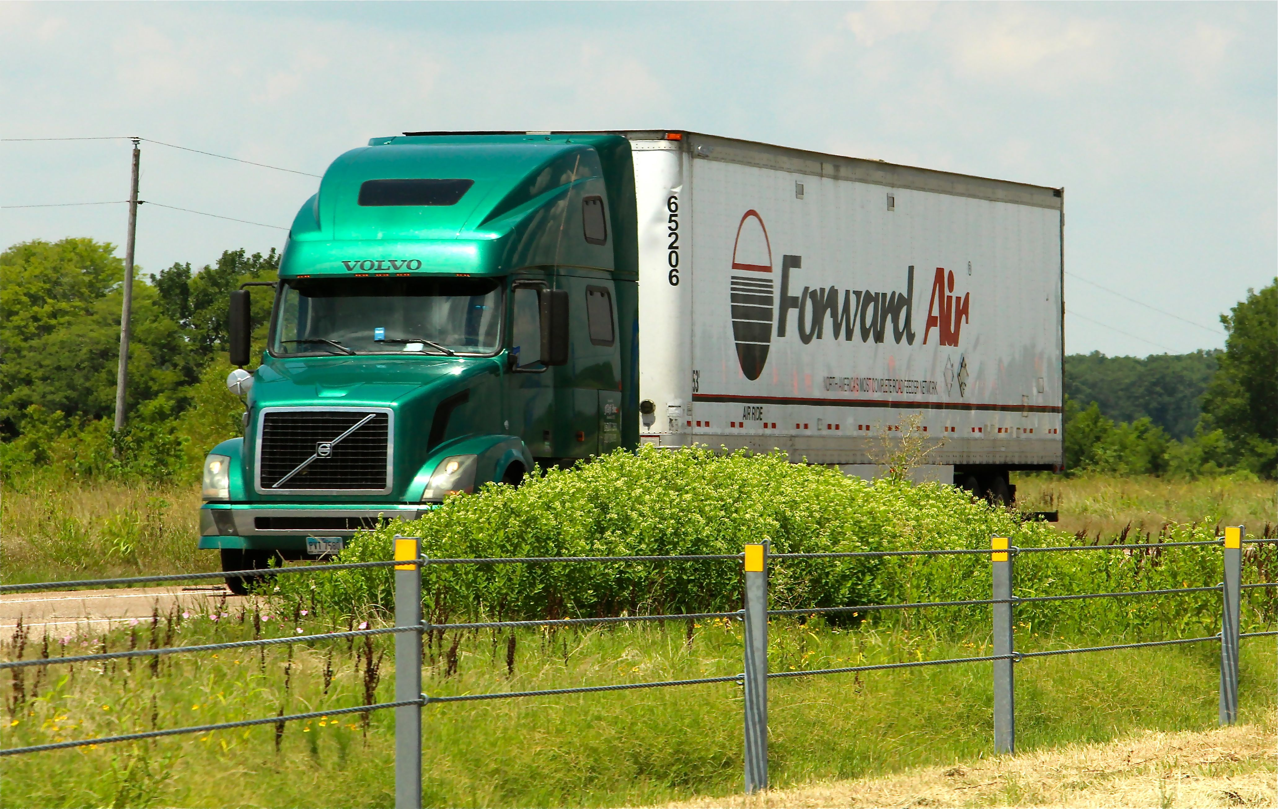 Forward Air Purchases Central States Trucking