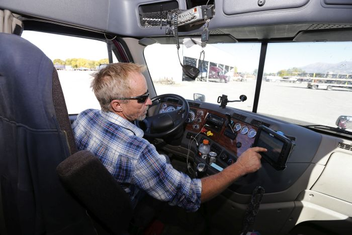 ELD Mandate Finally Arrives, to Growing Pains and Praise