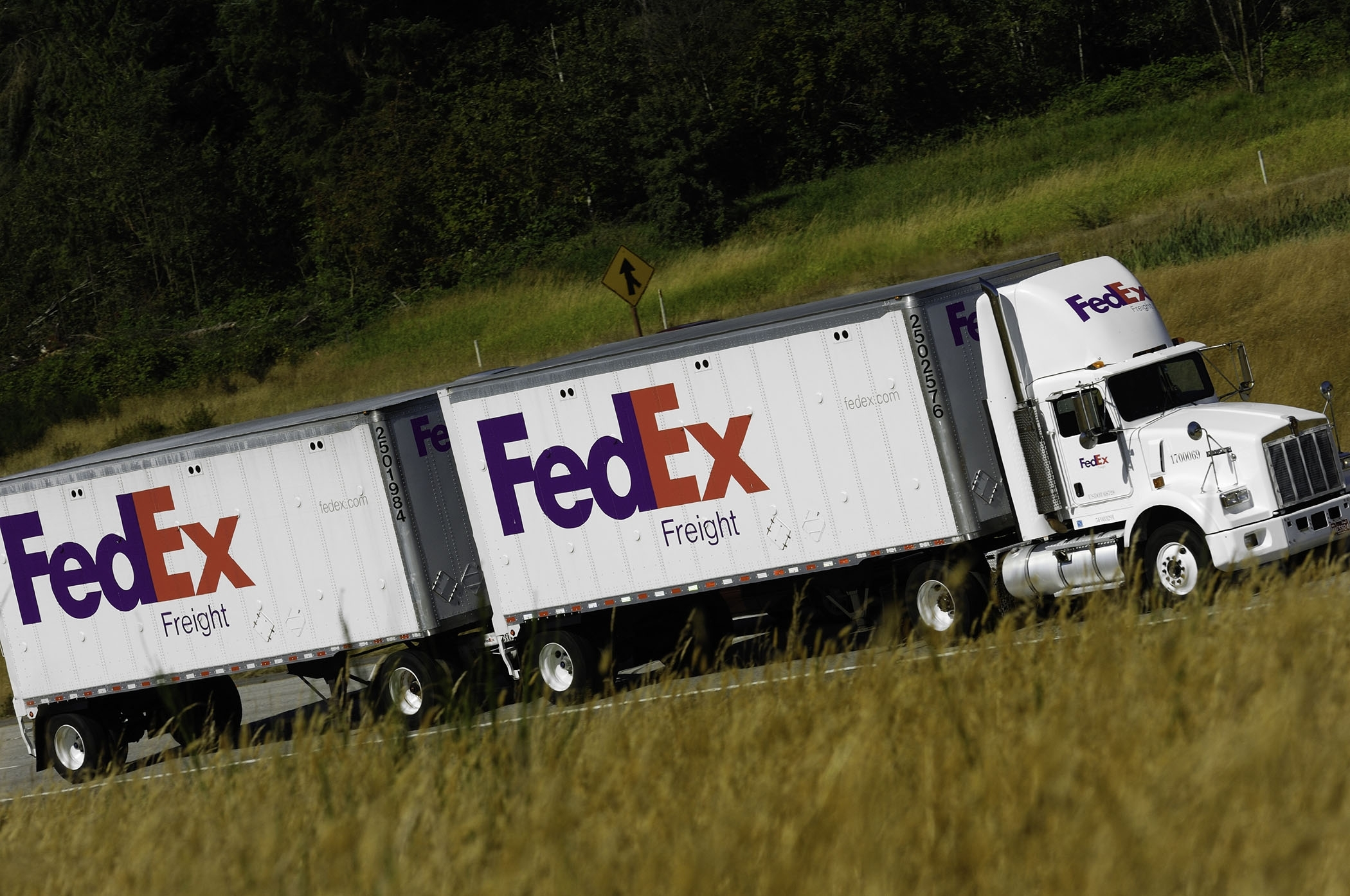 Teamsters Get First Win in Attempt to Organize FedEx Freight Drivers