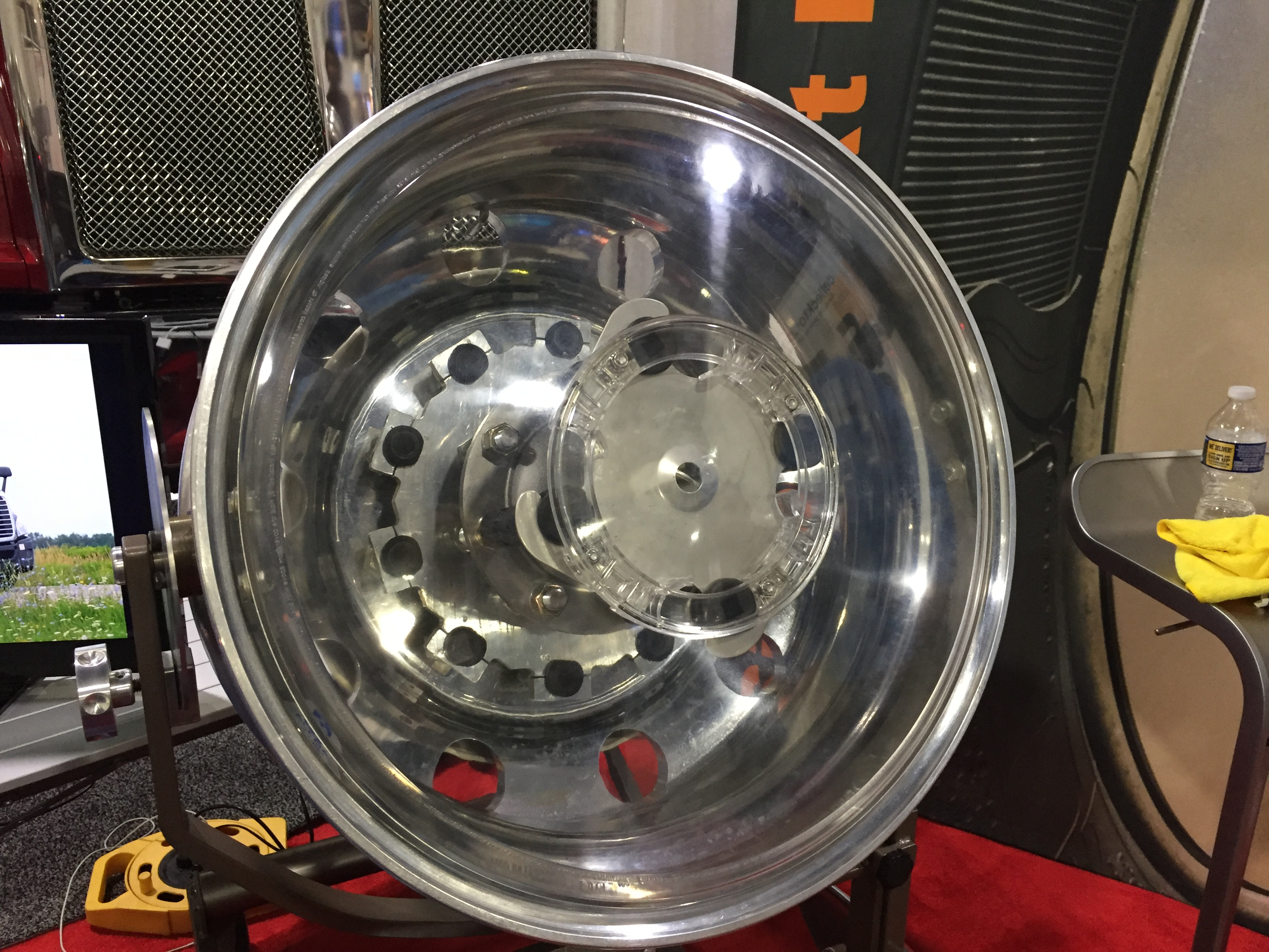 New Wheel Covers Hide Fasteners for Optimized Aerodynamics