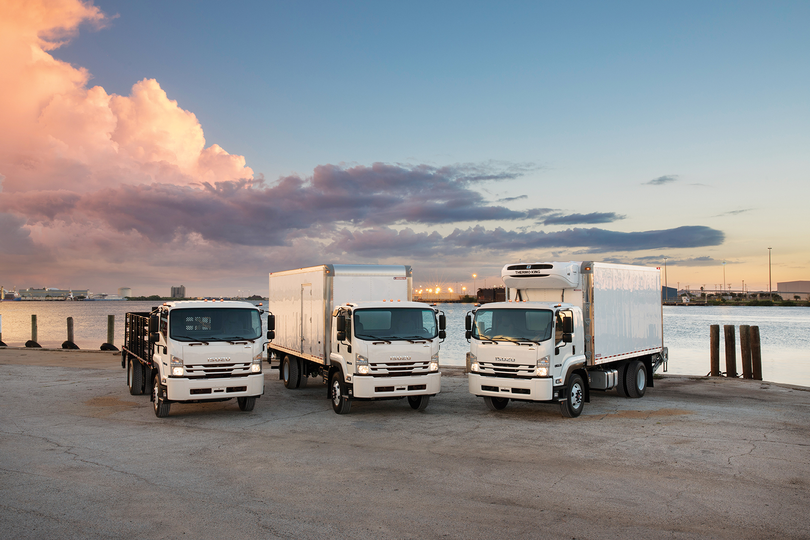 Isuzu Sets Production, Ordering for Class 6 Cabover