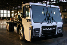 Mack to Evaluate Electric Powertrain for Refuse Trucks