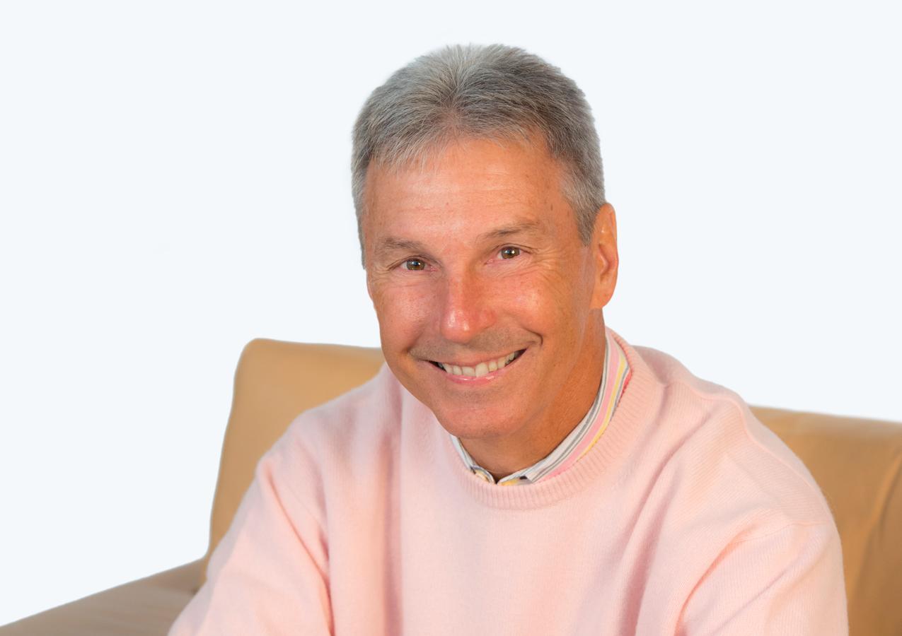 Mark Lampert to Retire as DTNA's Sr. VP of Sales and Marketing; Richard Howard Named Successor
