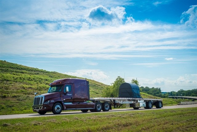 Trucking Alliance Adopts AAA Advanced Safety Tech Recommendations