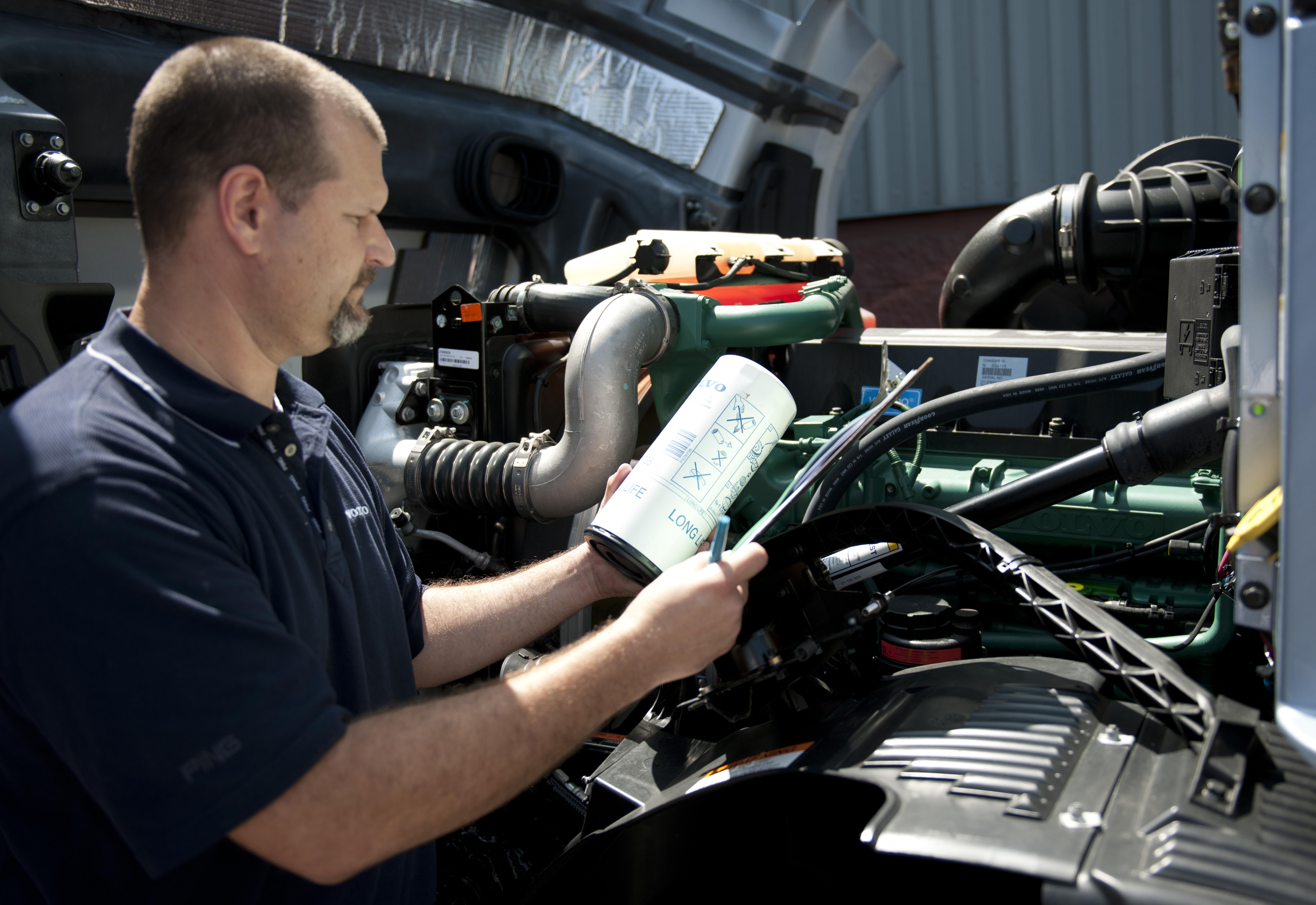 Volvo Trucks Increases Maintenance Intervals for Engine Oil, DPFs
