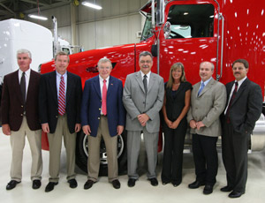 Peterbilt Delivers First Paccar MX-Equipped Vehicle