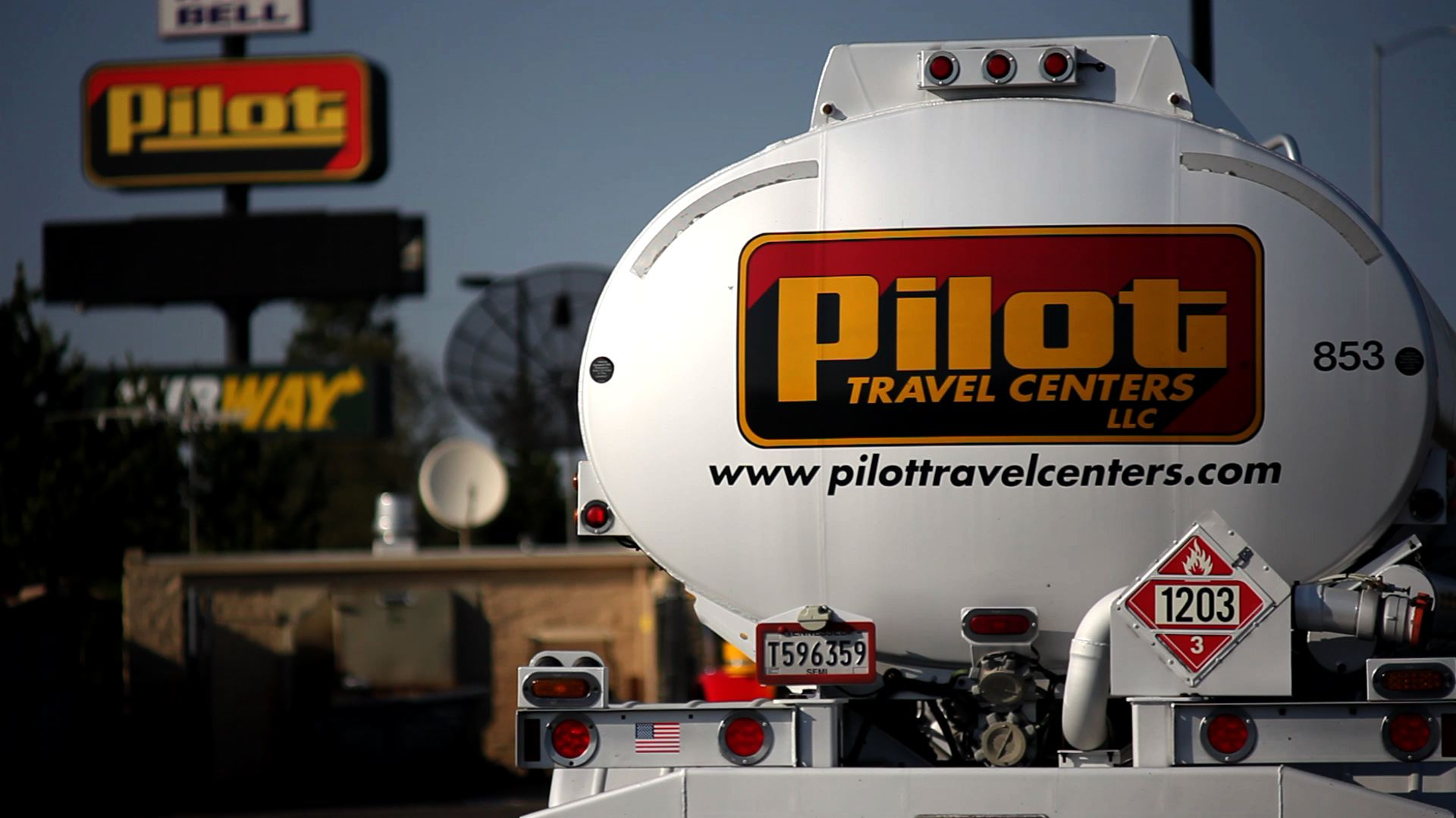 FBI, IRS Raid Pilot Flying J Headquarters