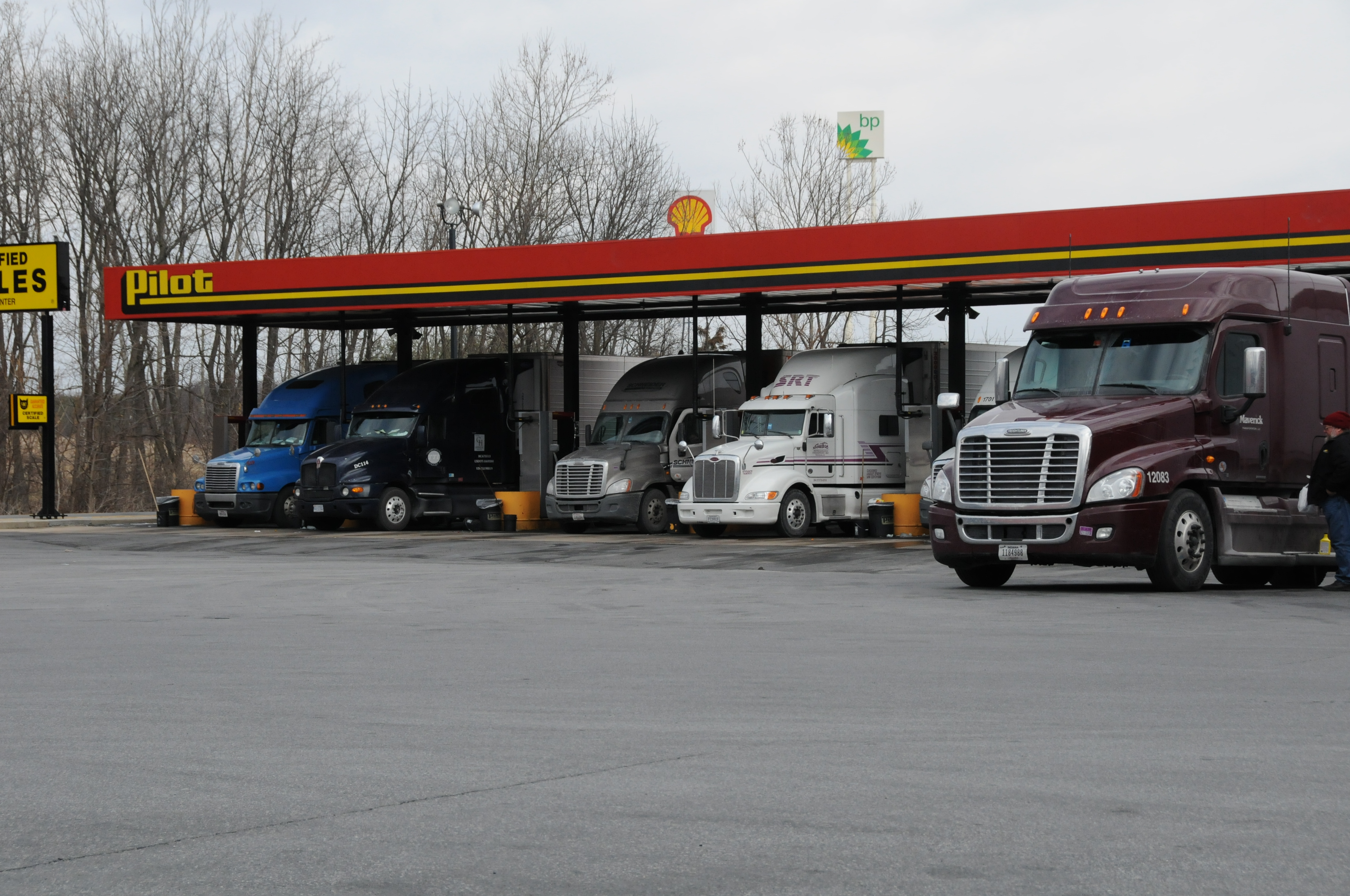 Federal Prosecutors in Pilot Flying J Probe Get High Marks; Another Lawsuit Filed