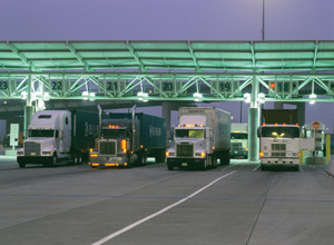 Truck drivers serving the Port of Oakland have an additional two weeks to meet the new standard for emissions or apply for funding. (Photo courtesy of the Port of Long Beach)
